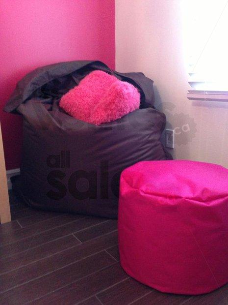 Vente entrep t poufs g ants et beanbags for Entrepot meuble montreal