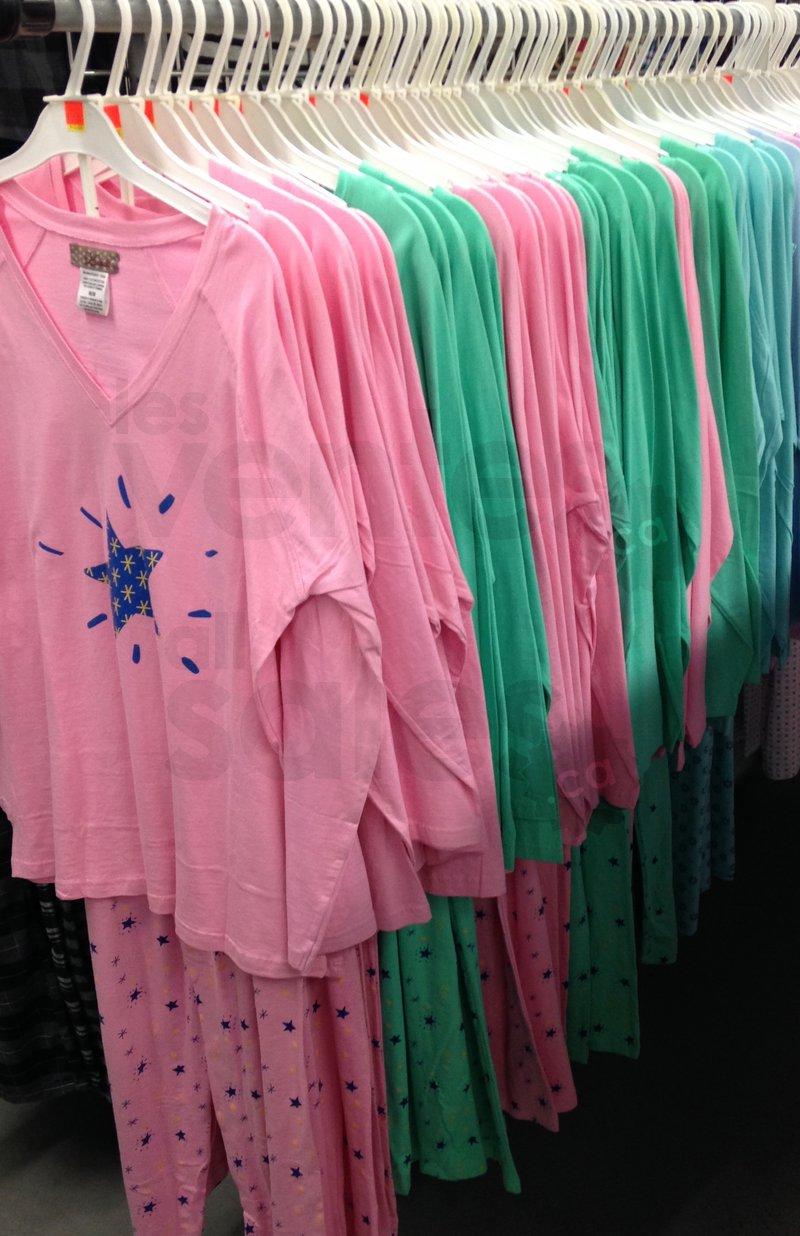 Super vente de pyjamas 2 pour 20 - Super ferme entrepot ...