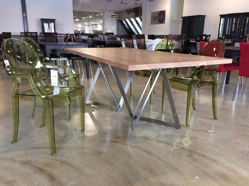 Vente d 39 entrep t de meubles jusqu 39 90 for Mega meuble langelier