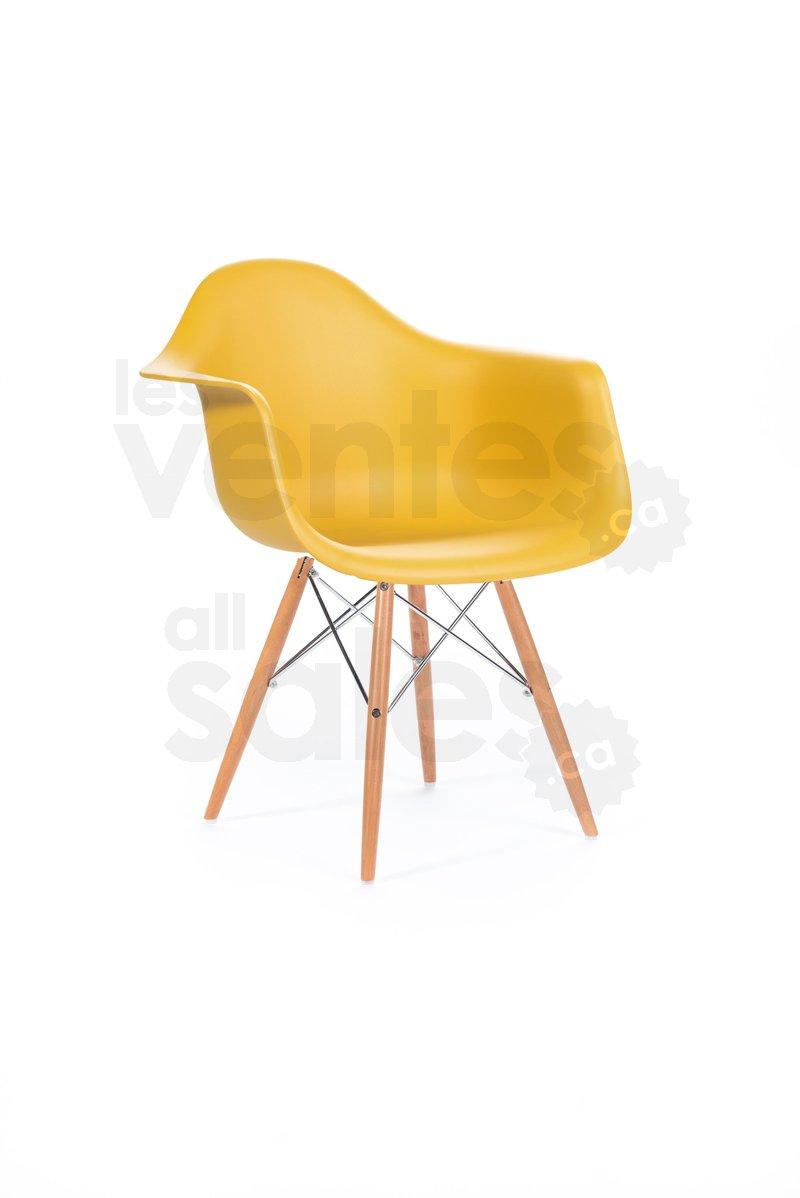 Vente mobilier moderne jusqu 39 80 for Mobilier moderne montreal