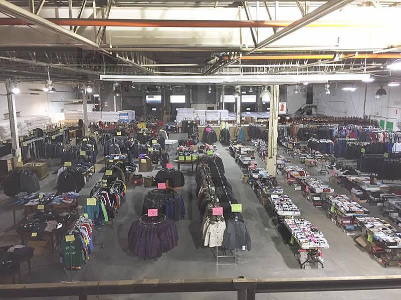 Vente faillite 50-80% vêtements manteaux | lesventes.ca