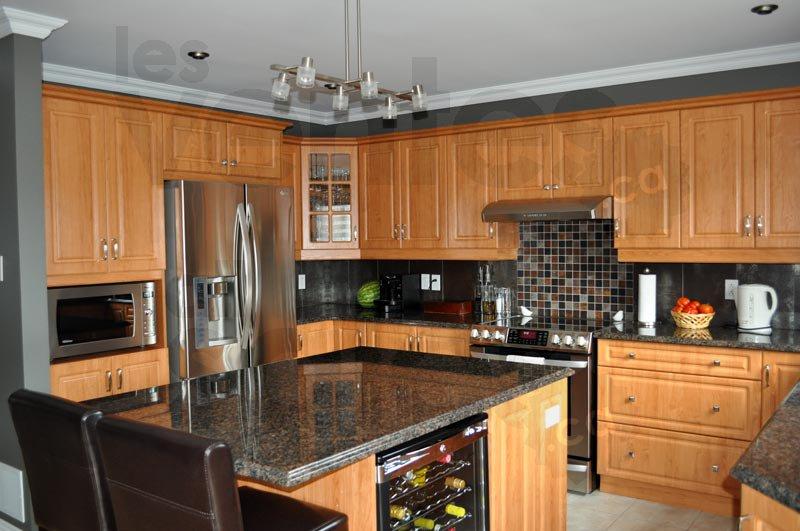 Comptoirs en granit prix d 39 entrep t for Centre de liquidation armoire de cuisine